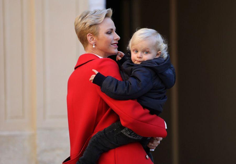 Charlène De Monaco, Le Prince Albert Et Leurs Jumeaux Gabriella Et Jacques À L'arbre De Noël Du Palais 6