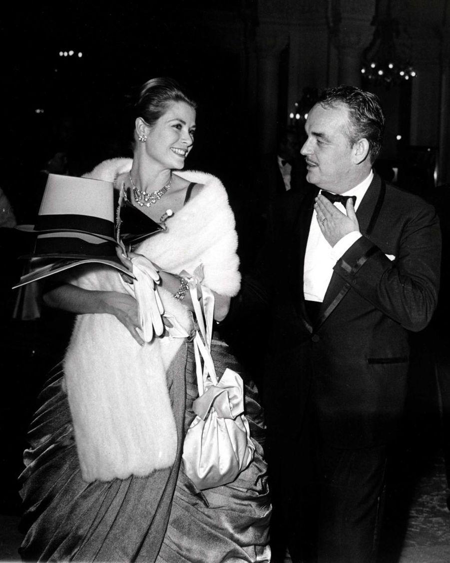 La princesse Grace et le prince Rainier III de Monaco, en novembre 1962