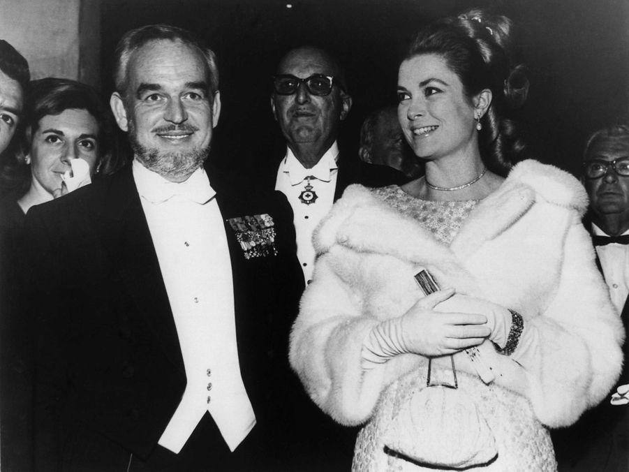 La princesse Grace et le prince Rainier III de Monaco, le 1er avril 1966