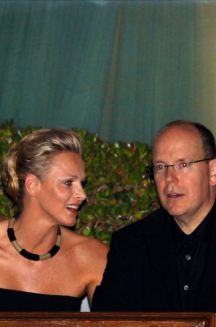 Charlène Wittstock et le prince Albert II de Monaco au stade Louis-II à Monaco, le 30 juin 2011
