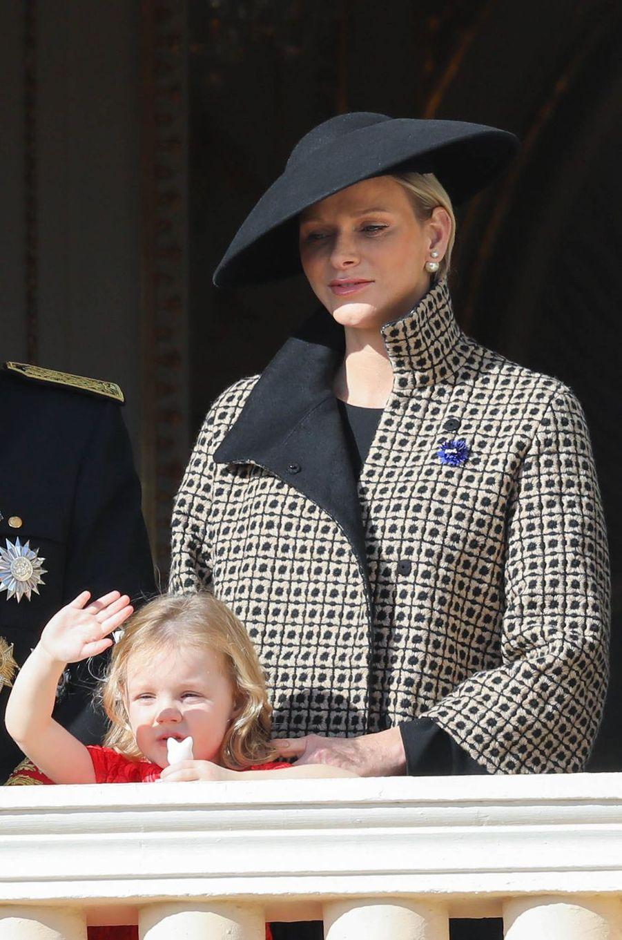 La princesse Gabriella de Monaco avec sa mère la princesse Charlène, à Monaco le 19 novembre 2018