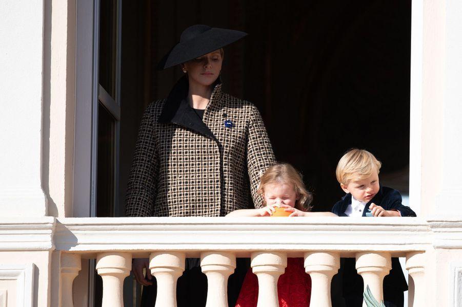 La princesse Gabriella et le prince Jacques de Monaco avec leur mère la princesse Charlène, à Monaco le 19 novembre 2018