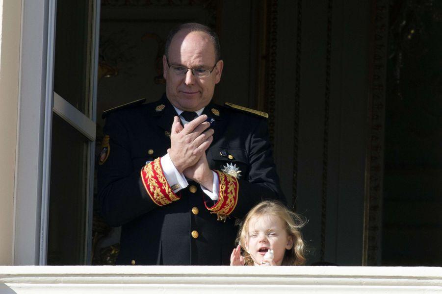 La princesse Gabriella de Monaco avec son père le prince Albert II, à Monaco le 19 novembre 2018