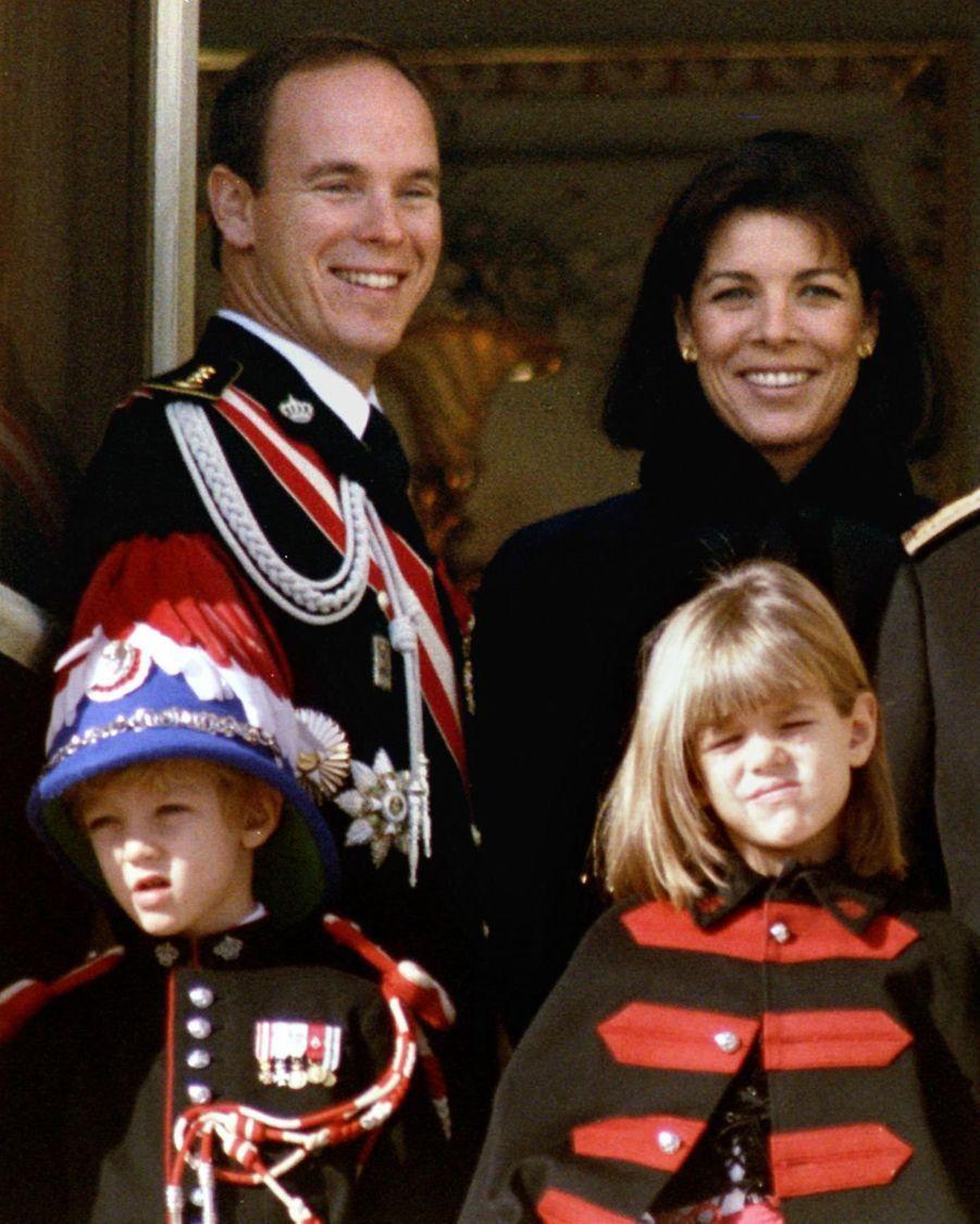 Charlotte Casiraghi avec la famille princière le 19 novembre 1992