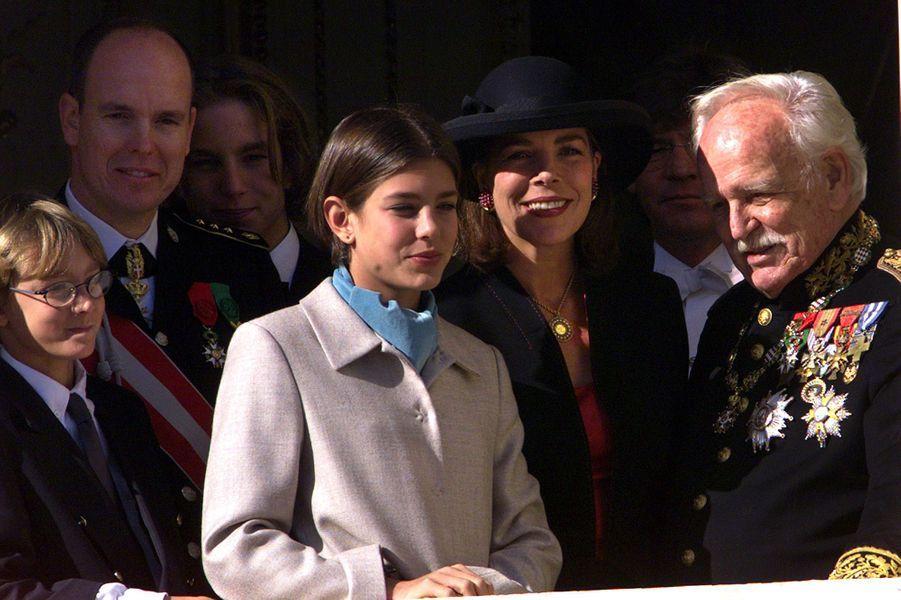 Charlotte Casiraghi avec la famille princière le 19 novembre 1999