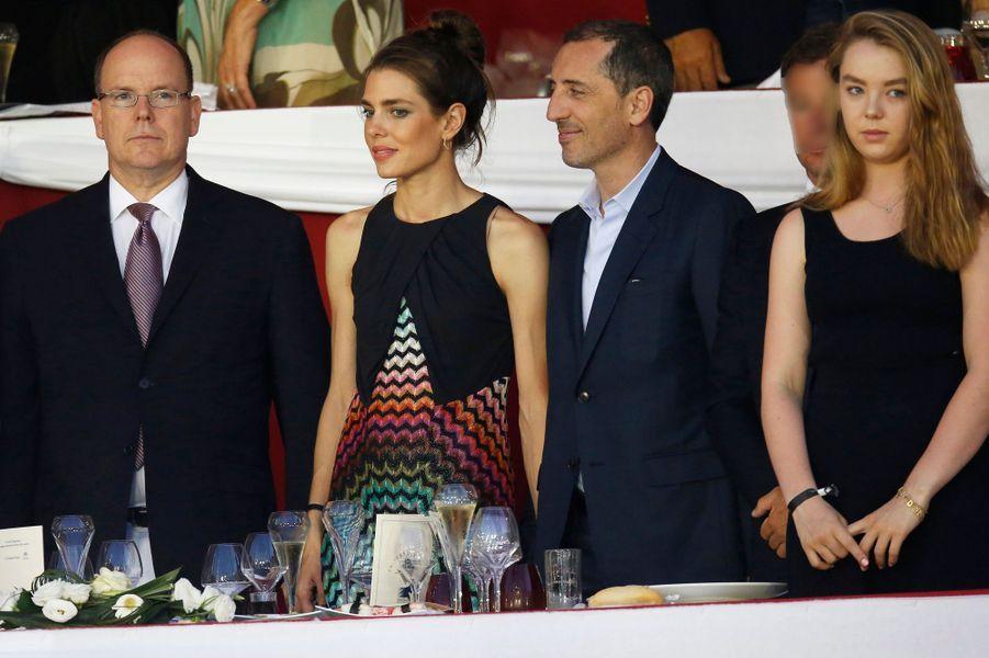 Charlotte Casiraghi et Gad Elmaleh avec le prince Albert II de Monaco et la princesse Alexandra de Hanovre au Jumping de Monaco, le 27 juin 2015