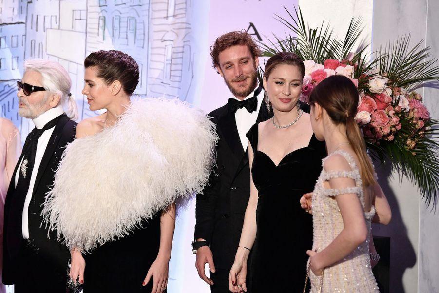 Pierre Casiraghi et Beatrice Borromeo, entourés d'Alexandra, Charlotte et Karl Lagerfeld au bal de la rose 2018, le 24 mars 2018.