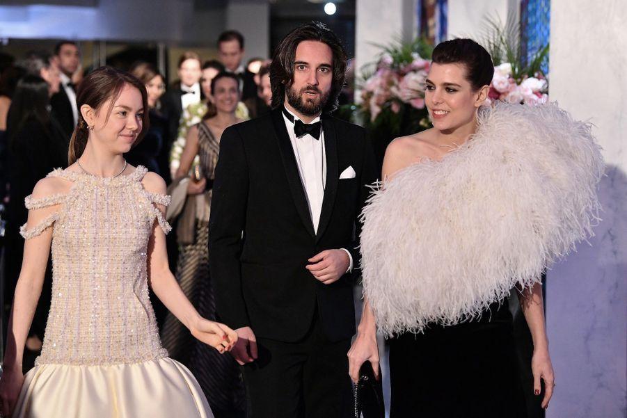 Alexandra de Hanovre, Charlotte Casiraghi et son compagnon Dimitri Rassam lors du bal de la rose 2018, le 24 mars 2018.