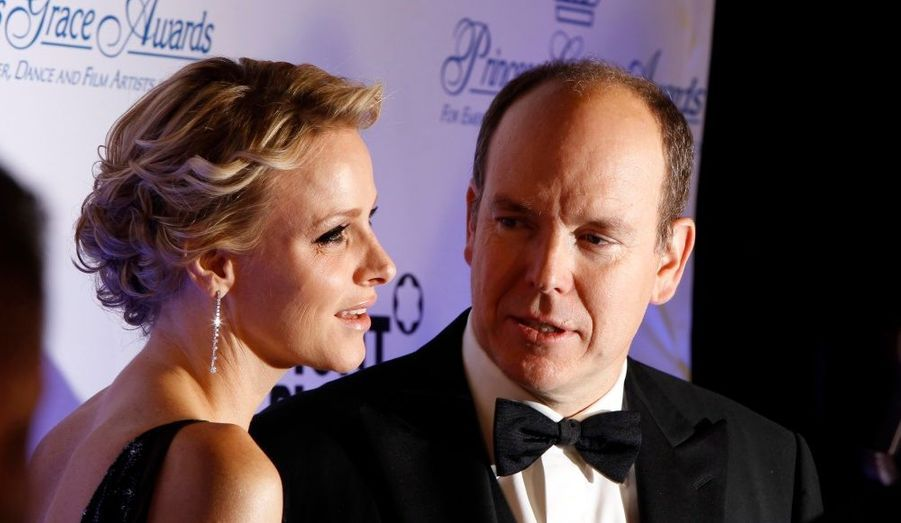 Le prince Albert de Monaco et son épouse Charlene ont assisté début novembre à la cérémonie des Princess Grace Awards, à New York, rendez-vous très sélect où le gratin du monde du spectacle récompense de jeunes artistes dans le domaine du théâtre, de la danse ou du cinéma.