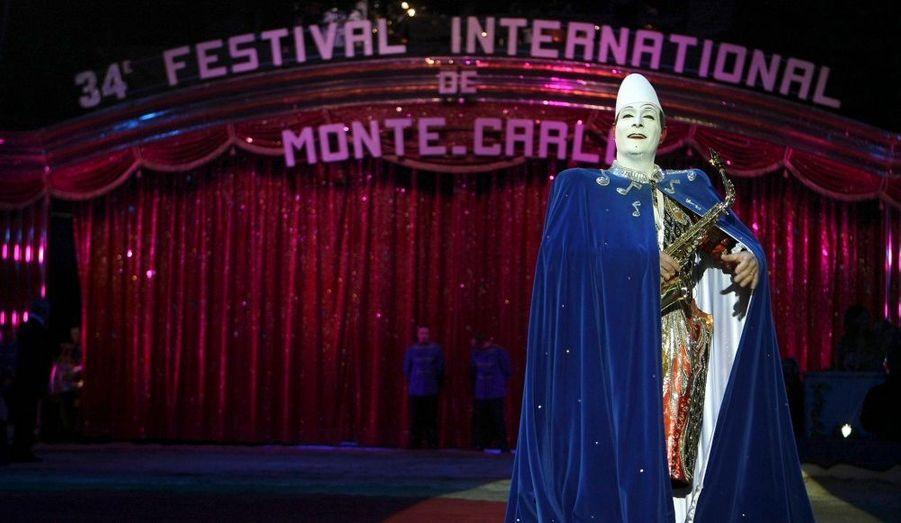 Des artistes du monde entier se bousculent chaque année pour avoir le privilège de venir à Monaco.