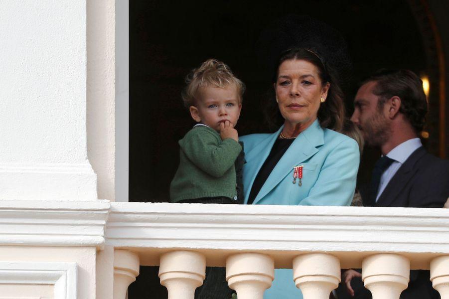 Francesco Casiraghi dans les bras de sa grand-mère la princesse Caroline de Hanovre à Monaco, le 19 novembre 2019