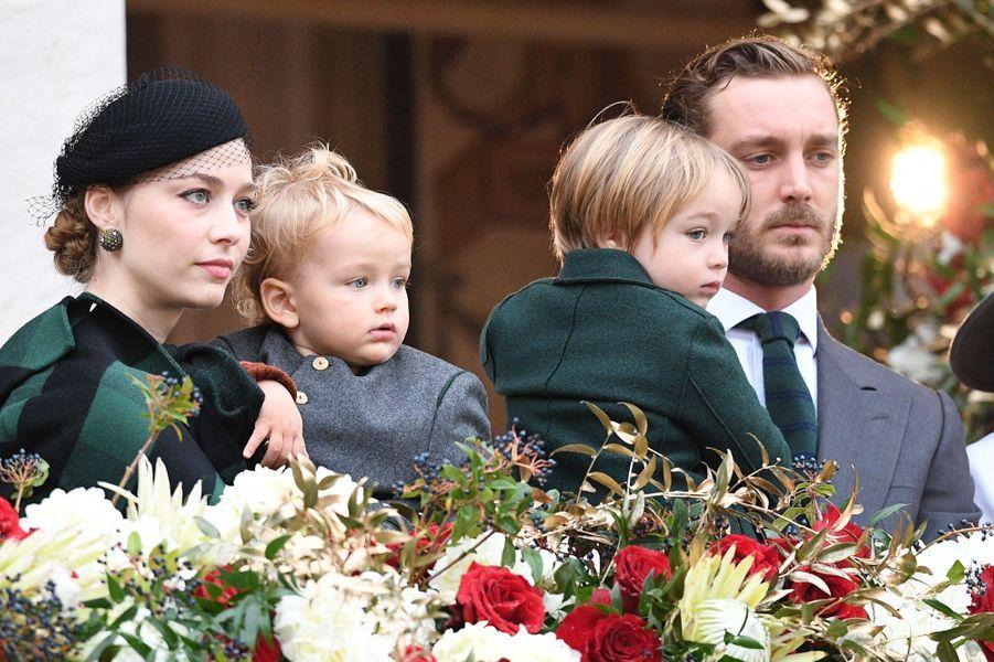 Pierre Casiraghi et Beatrice Borromeo avec leurs fils à Monaco, le 19 novembre 2019