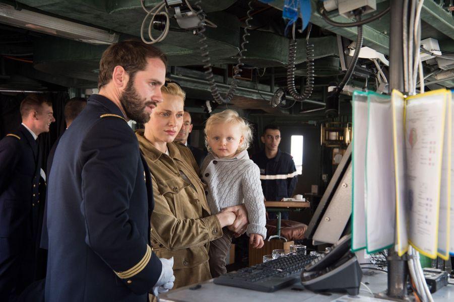 La Princesse Charlène De Monaco Et Son Fils Le Prince Jacques Visitent La Frégate Guépratte 3