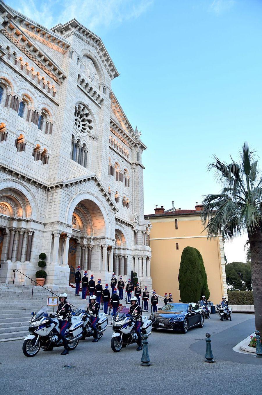 La voiture de la princesse Charlène et du prince Albert II de Monaco à Monaco, le 8 mars 2020
