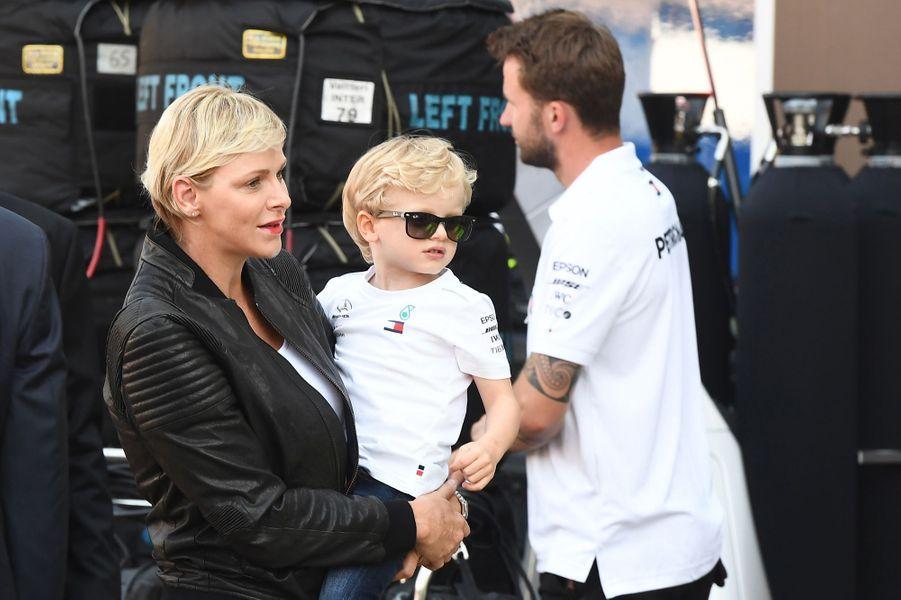 La princesse Charlène de Monaco et son fils le prince Jacques à Monaco, le 25 mai 2018