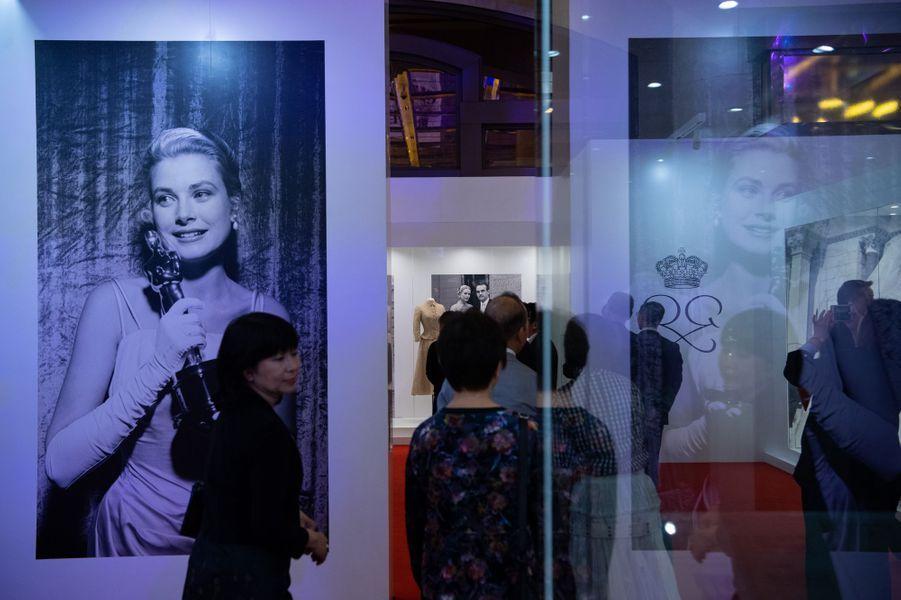L'exposition inédite sur Grace Kelly présentée à Macao en Chine, le 15 mai 2019