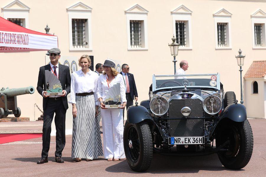 """La princesse Charlène de Monaco remet les prix du concours """"Elégance et automobile à Monte-Carlo"""", à Monaco le 30 juin 2019"""