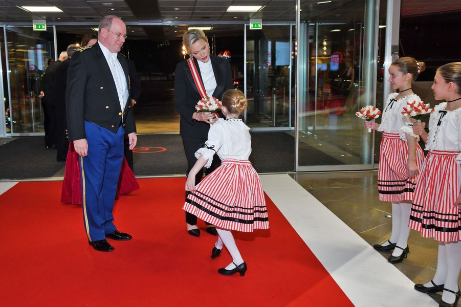 La princesse Charlène et le prince Albert II de Monaco à Monaco, le 19 novembre 2019