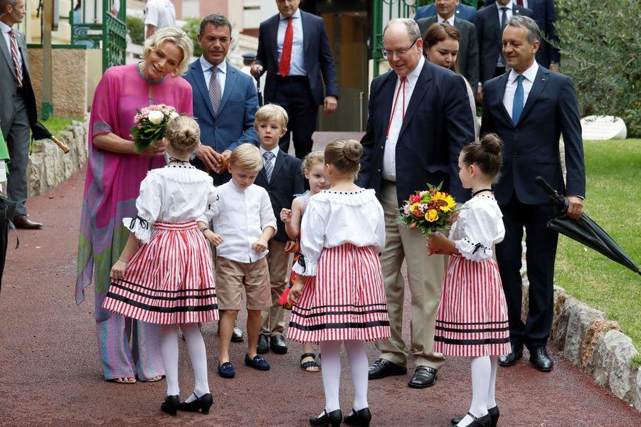 La princesse Charlène et le prince Albert II de Monaco avec leurs jumeaux à Monaco, le 6 septembre 2019