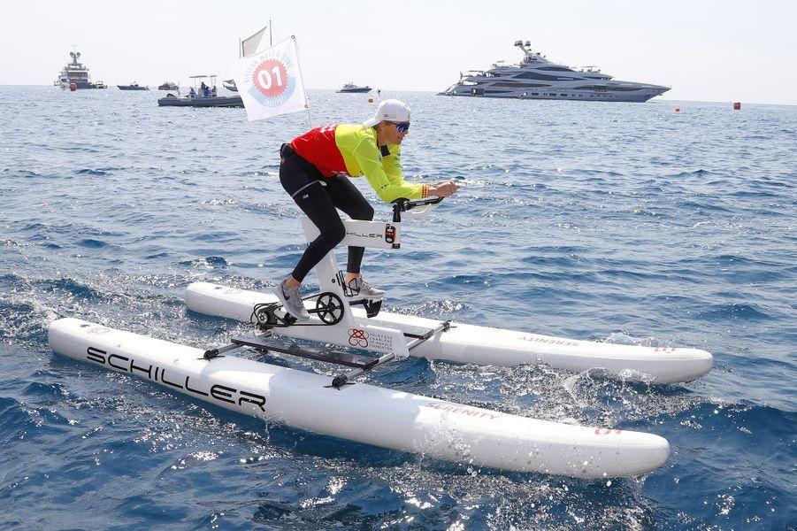 La princesse Charlène de Monaco engagée dans le 2e Riviera Water Bike Challenge à Monaco, le 17 juin 2018