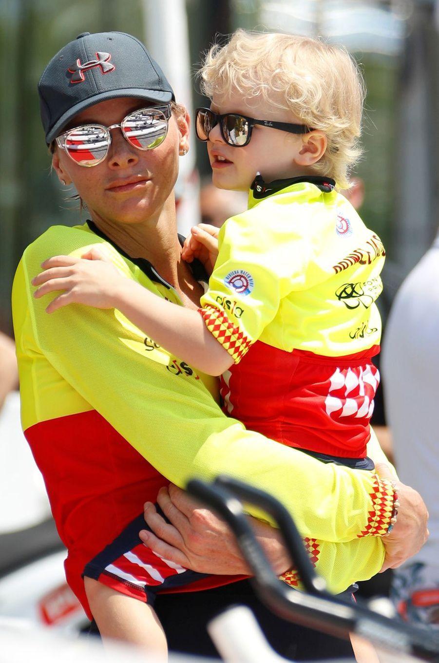 La princesse Charlène de Monaco et son fils le prince Jacques à Monaco, le 17 juin 2018