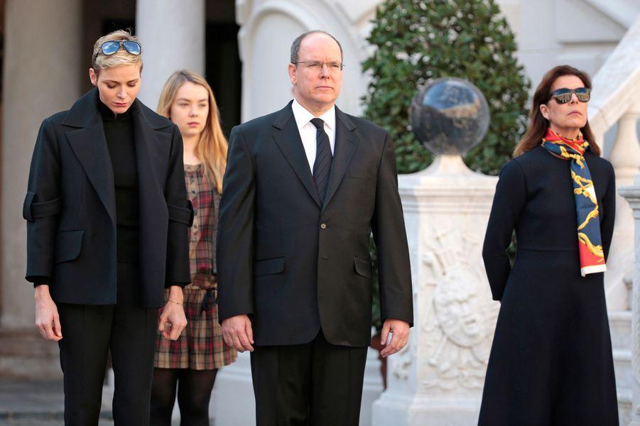 La princesse Charlène et le prince Albert II de Monaco avec les princesses Caroline et Alexandra de Hanovre à Monaco, le 16 novembre 2015
