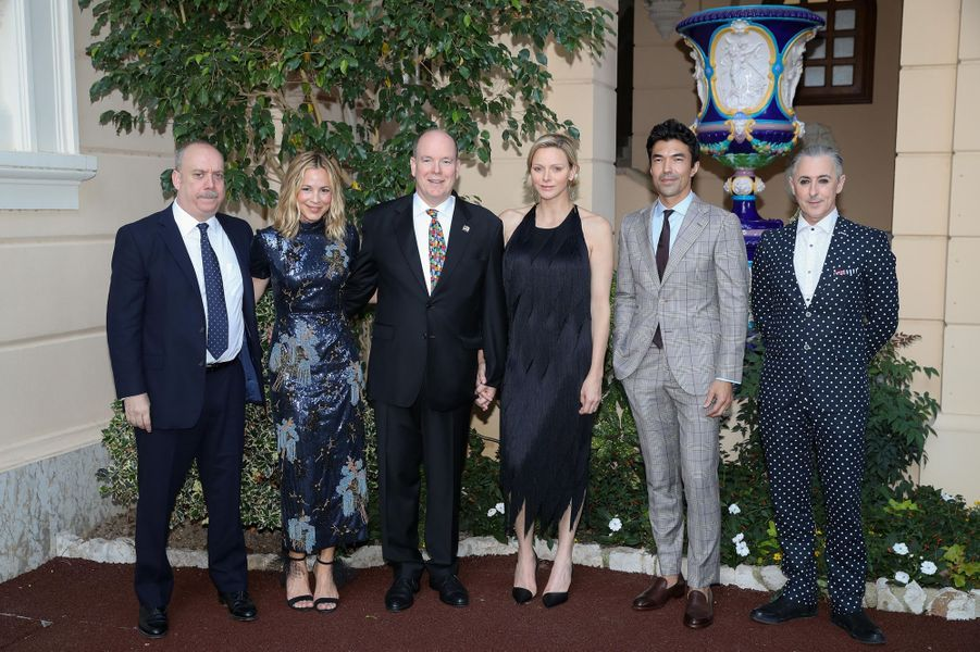 La princesse Charlène et le prince Albert II de Monaco avec Paul Giamatti, Maria Bello, Ian Anthony Dale et Alan Cumming, à Monaco le 16 juin 2019
