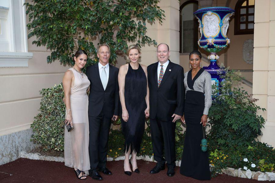 La princesse Charlène et le prince Albert II de Monaco avec Jaina Lee Ortiz, Greg Germann et Kelly McCreary, à Monaco le 16 juin 2019