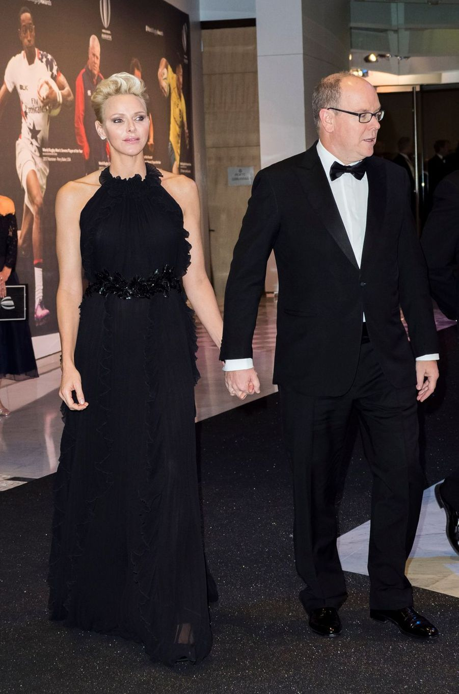 La princesse Charlène et le prince Albert II de Monaco au Sporting à Monaco, le 26 novembre 2017
