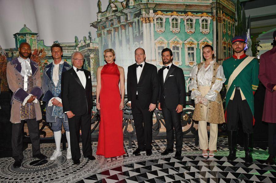 La princesse Charlène et le prince Albert II de Monaco avec le roi Carl XVI Gustaf et le prince Carl Philip de Suède, à Monaco le 26 mai 2019