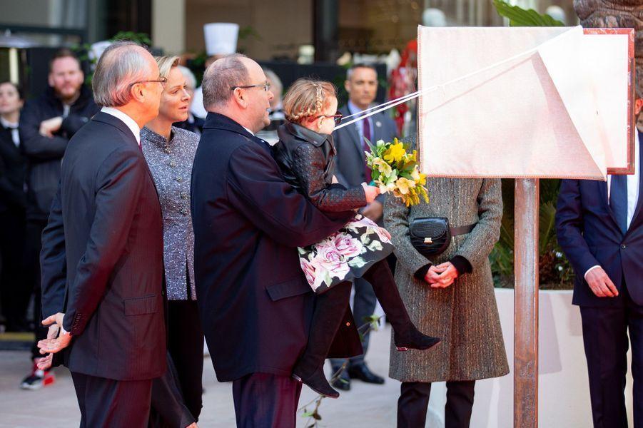 La princesse Gabriella de Monaco avec la princesse Charlène et le prince Albert II à Monaco, le 22 février 2019