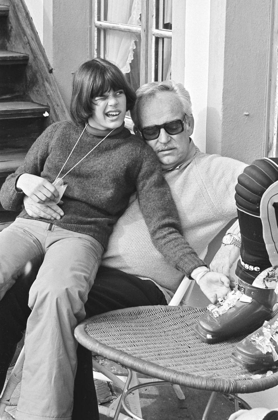La princesse Stéphanie de Monaco avec son père le prince Rainier III le 25 février 1977