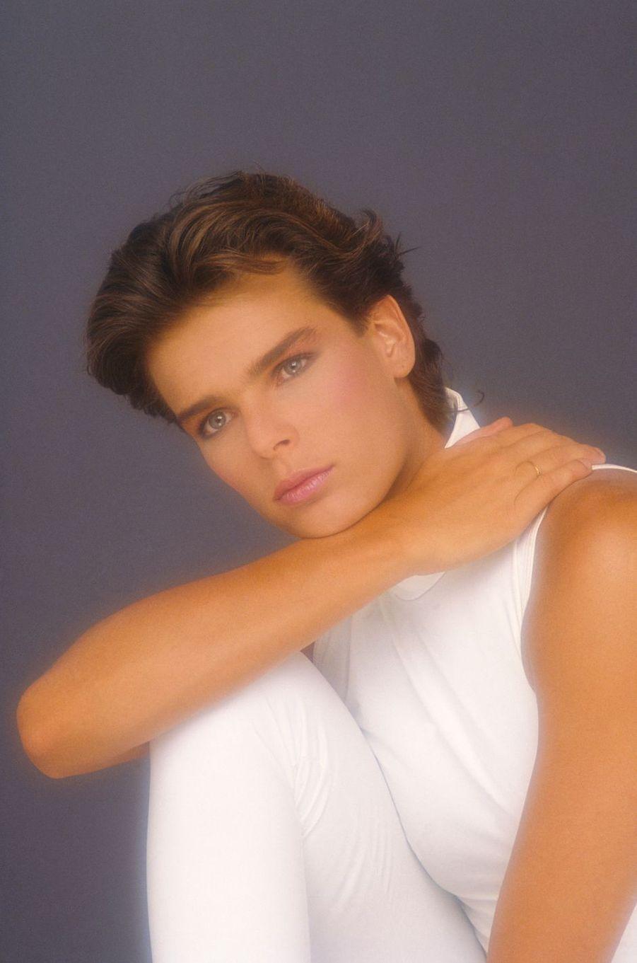 "La princesse Stéphanie de Monaco. Photo de couverture de son album ""Ouragan"" en 1986"