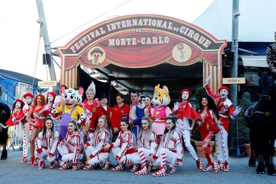 La princesse Stéphanie de Monaco avec Petit Gougou, le clown Henry Ayala et la troupe Bingo à Monaco, le 14 janvier 2020
