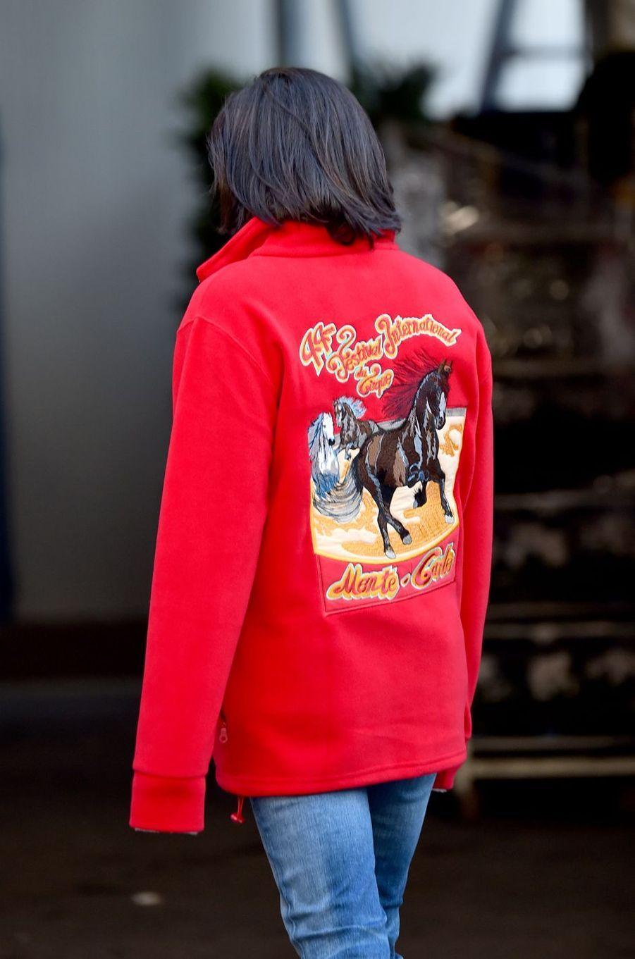 La veste du staff du Festival du cirque portée par la princesse Stéphanie de Monaco à Monaco, le 14 janvier 2020