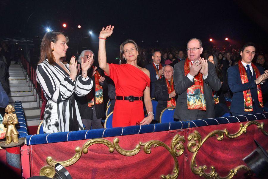 La princesse Stéphanie de Monaco avec ses enfants Pauline et Louis Ducruet et son frère le prince Albert II à Monaco, le 16 janvier 2020