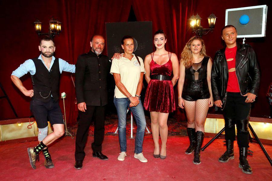 La princesse Stéphanie de Monaco avec la troupe du cirque Piedon à La Turbie, le 28 août 2018