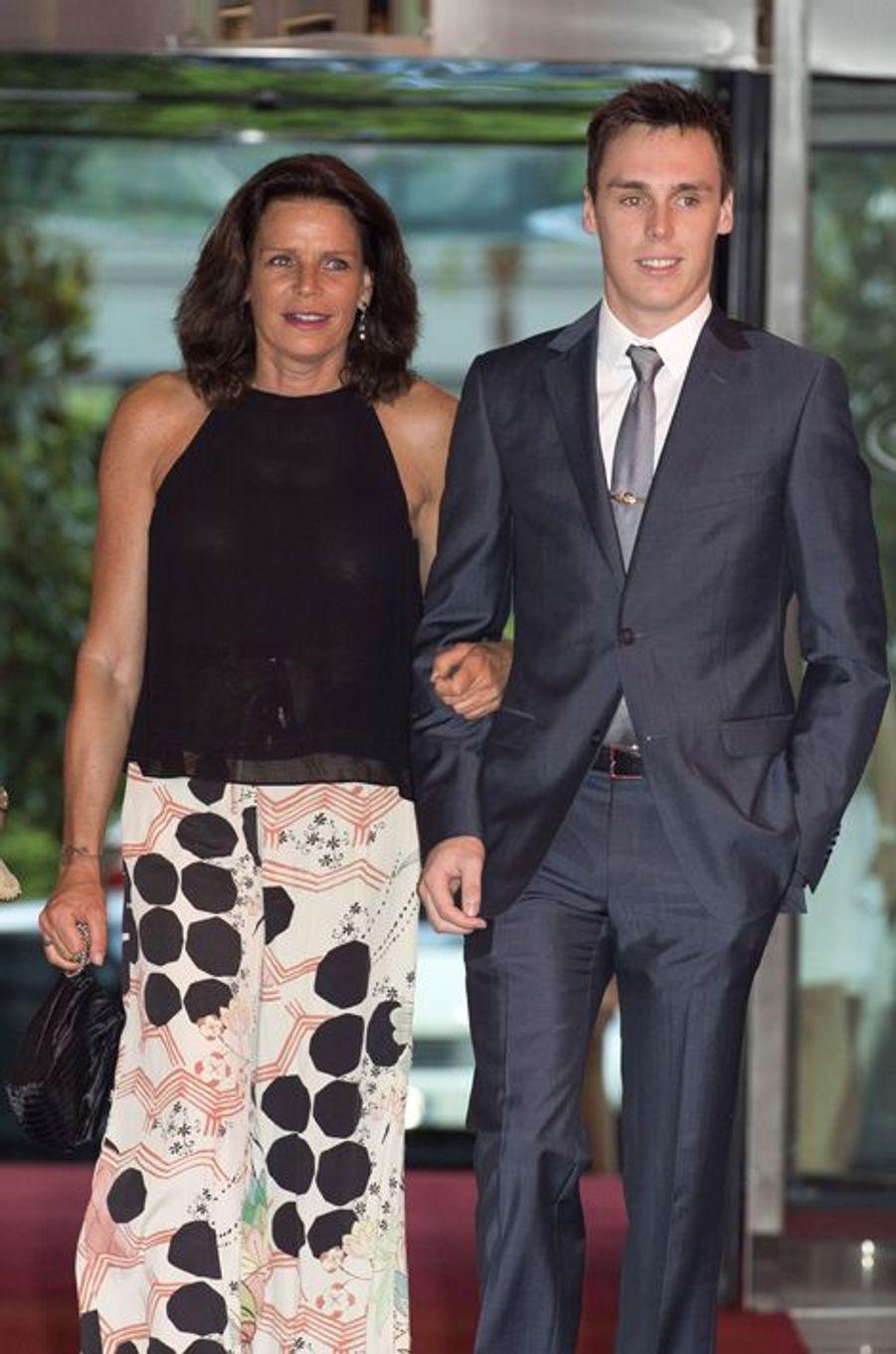 La princesse Stéphanie de Monaco et son fils Louis au gala de la fondation Fight Aids