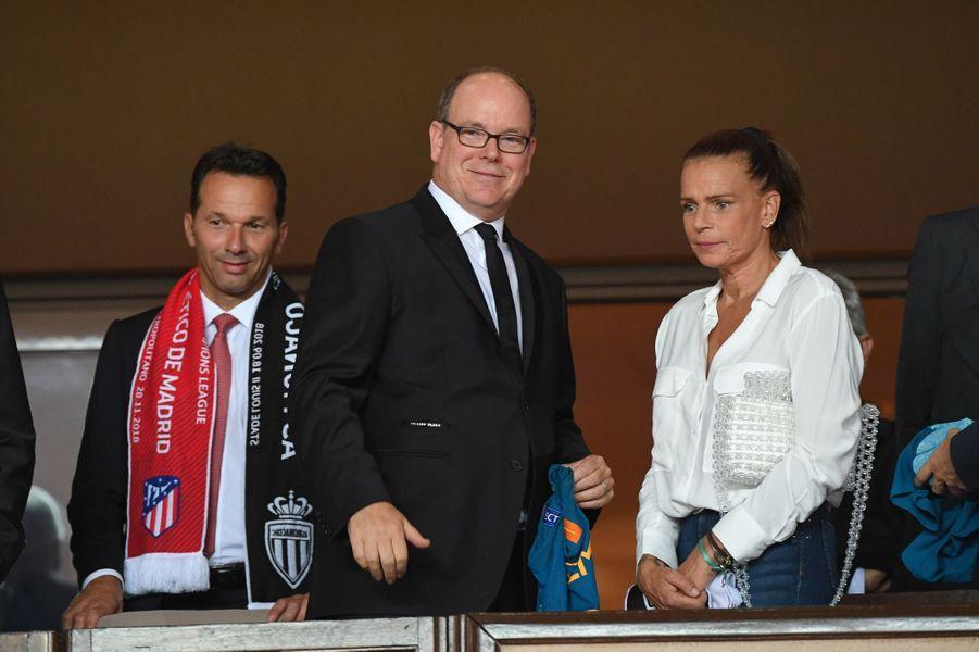 La princesse Stéphanie de Monaco avec le prince Albert II au stade Louis-II à Monaco, le 18 septembre 2018