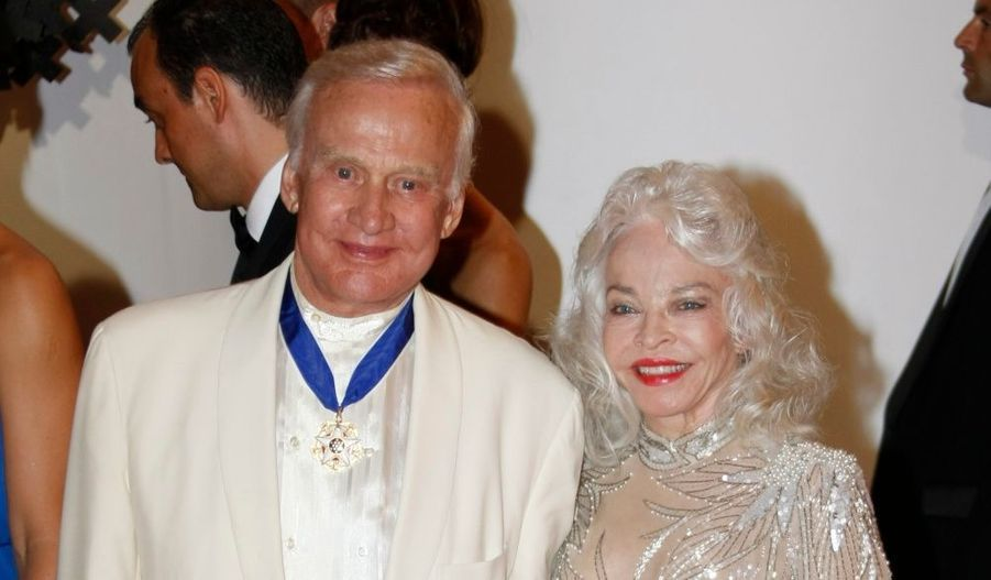 L'astronaute américain Buzz Aldrin, accompagné de son épouse.