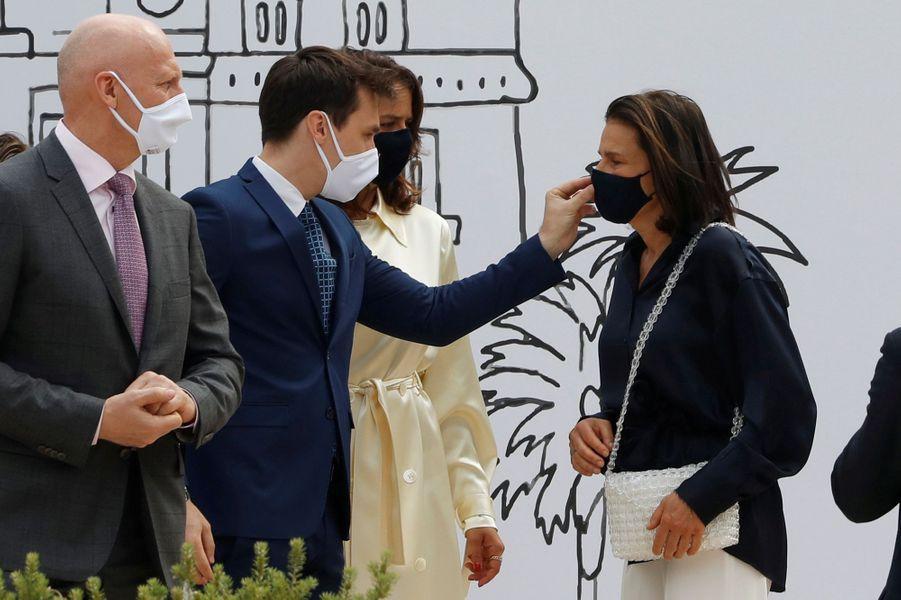 La princesse Stéphanie de Monaco avec Louis et Pauline Ducruet à Monaco, le 2 juin 2020