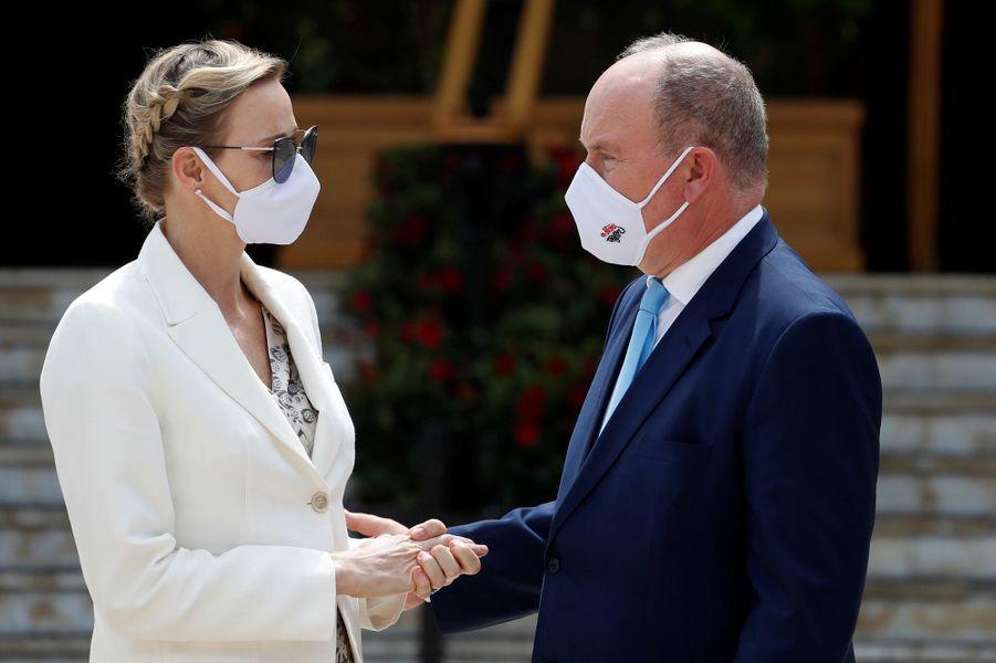 La princesse Charlène et le prince Albert II de Monaco à Monaco, le 2 juin 2020