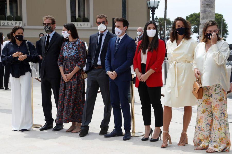 La princesse Stéphanie de Monaco avec Andrea et Pierre Casiraghi, Tatiana Santo Domingo, Louis, Marie et Pauline Ducruet, Camille Gottlieb à Monaco, le 2 juin 2020