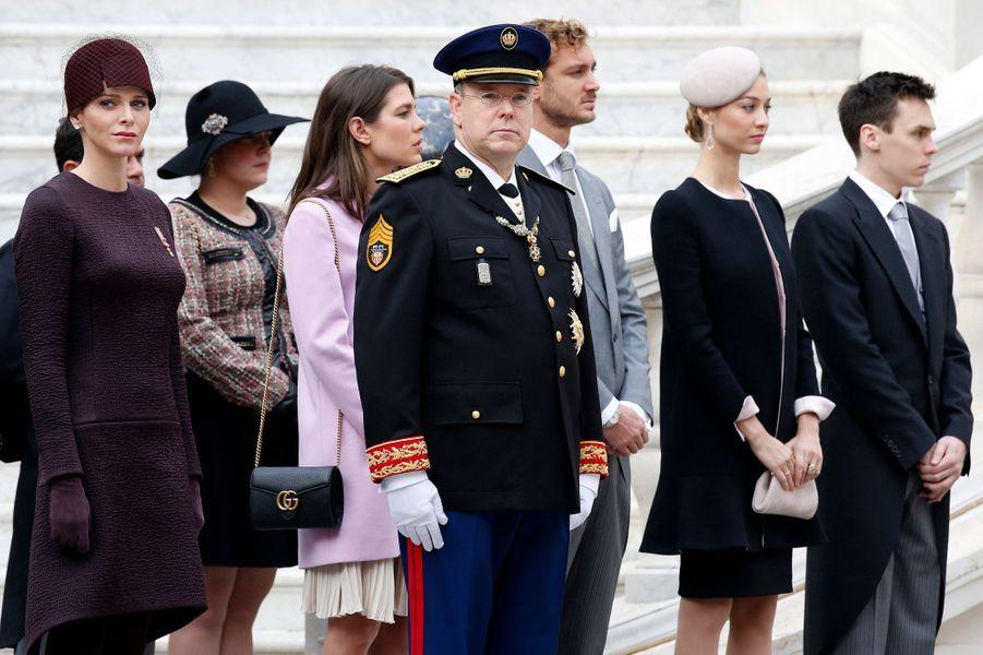 La princesse Charlène et le prince Albert II de Monaco avec Charlotte, Pierre et Beatrice Casiraghi et Louis Ducruet à Monaco, le 19 novembre 2015
