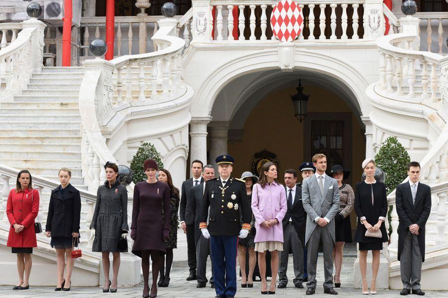 La princesse Charlène et le prince Albert II de Monaco avec les membres de la famille princière à Monaco, le 19 novembre 2015