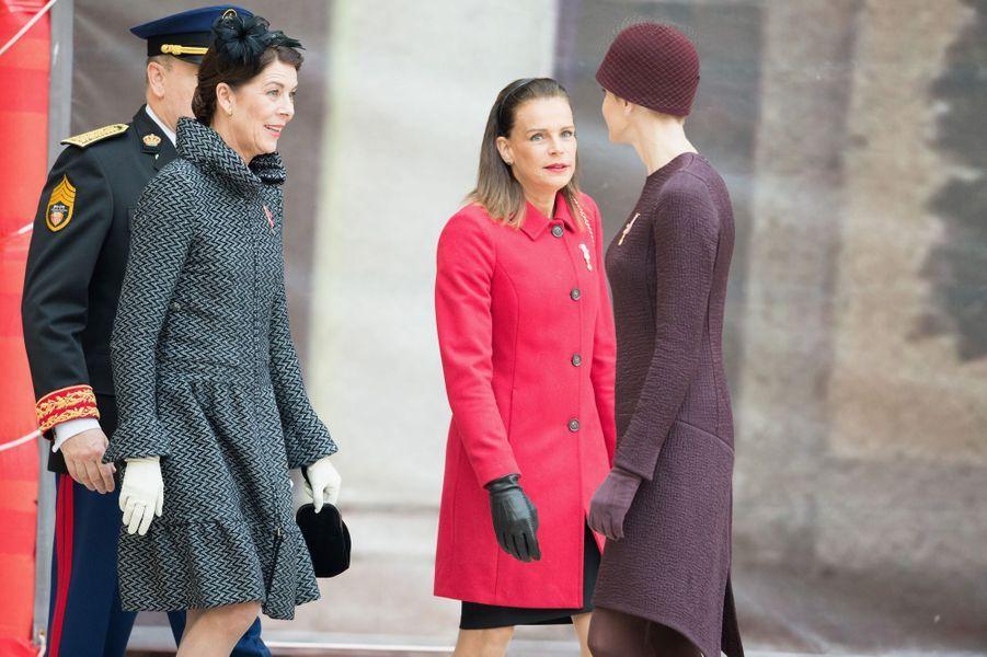 Les princesses Caroline, Stéphanie et Charlène avec le prince Albert II de Monaco à Monaco, le 19 novembre 2015