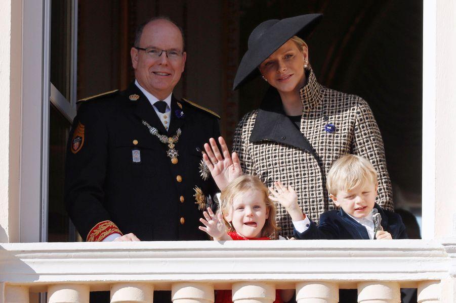 La princesse Charlène et le prince Albert II de Monaco avec la princesse Gabriella et le prince Jacques à Monaco, le 19 novembre 2018