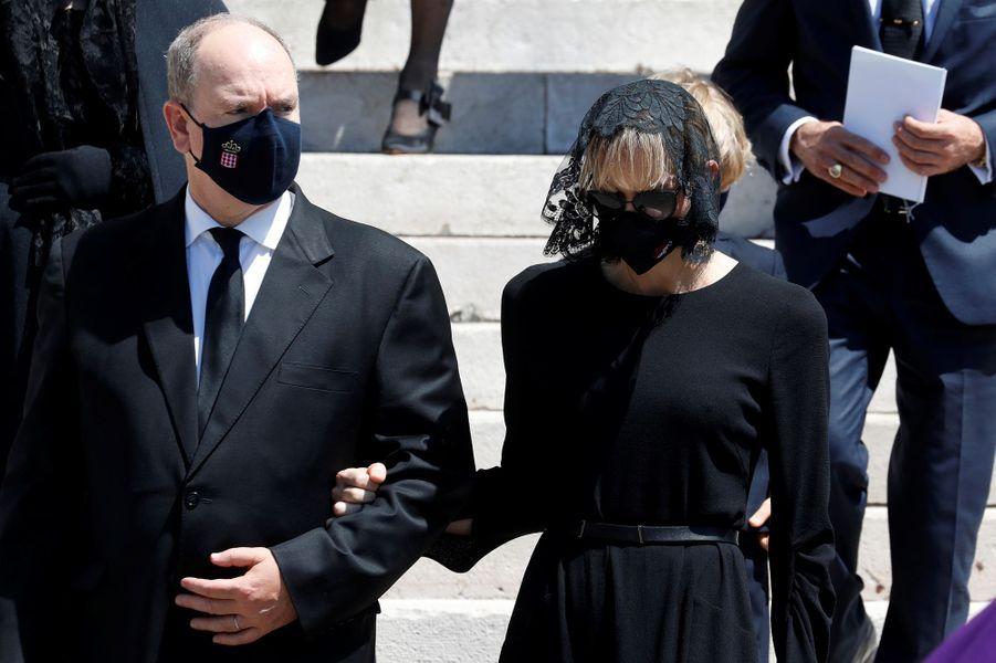 La princesse Charlène et le prince Albert II de Monaco à Monaco, le 17 juin 2020