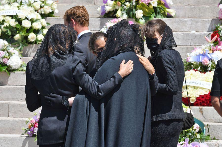 La famille princère de Monaco lors des obsèques de la baronne Elizabeth-Ann de Massy à Monaco, le 17 juin 2020