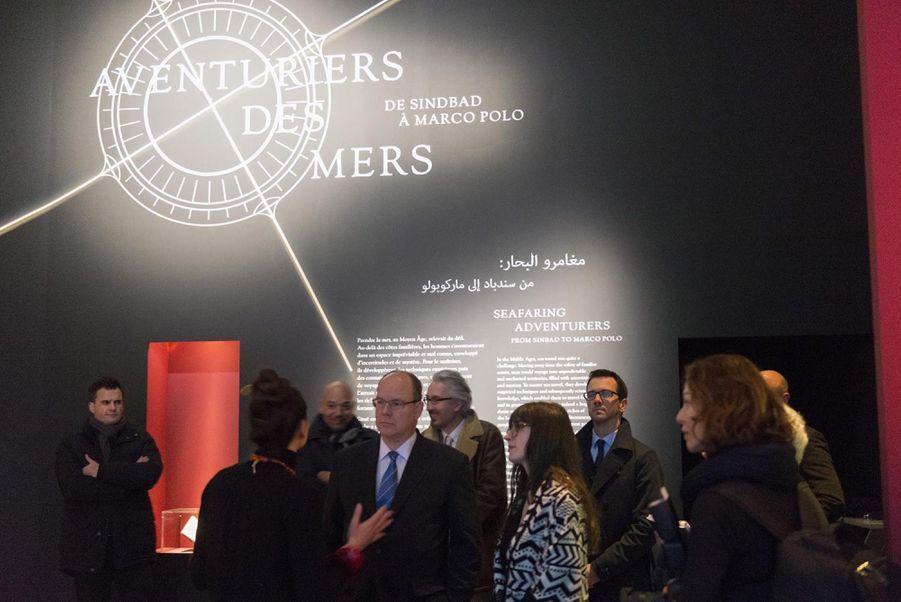 """Le Prince Albert De Monaco Visite L'exposition """"Aventuriers Des Mers"""" À L'Institut Du Monde Arabe 2"""